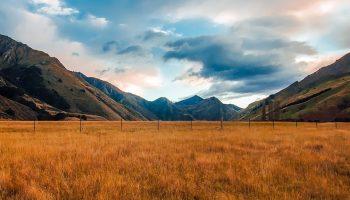 a mountain range in New Zealand